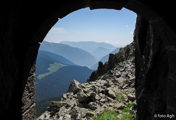 Caverna sul Cardinal versatne sud con vista sul Vanoi